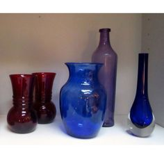Shades of blue are always calming! Freshen up with this fabulous blue vase.