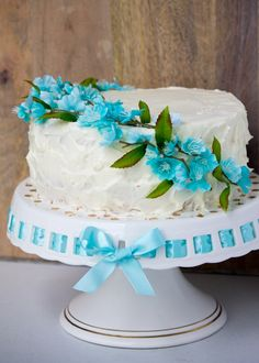 Super easy Easter cake. Beautiful and delicious!