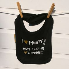 A playful bib, for Prosecco loving mummies, that has been hand printed and finished to a high quality. #prosecco #babybib