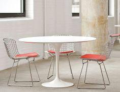 Saarinen Table Bertoia Chairs