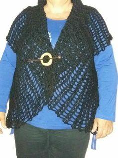 Bolero en crochet,lana negra,talle XL