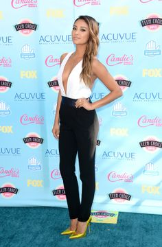 Shay Mitchell Photos - Actress Shay Mitchell attends the Teen Choice Awards 2013 at Gibson Amphitheatre on August 2013 in Universal City, California. - Arrivals at the Teen Choice Awards — Part 2 Estilo Shay Mitchell, Shay Mitchell Style, Pretty Little Liars, Celebrity Outfits, Sexy Outfits, Celebrity Style, Dressy Outfits, White Outfits, Passion For Fashion