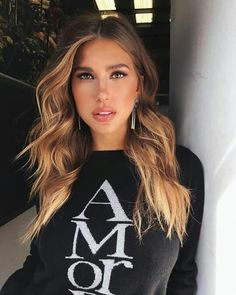 "20 mentions J'aime, 3 commentaires - Kara Del Toro🌷🌹 (@karajewellfp) sur Instagram : ""Beauty 😍😍😘 ____ #kara #karadeltoro #model #instagood #beauty #love #fashion #instagram #style…"""