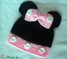 Mini egeres horgolt sapka (anyuci14) - Meska.hu Minion, Crochet Hats, Beanie, Handmade, Fashion, Knitting Hats, Moda, Hand Made, Fashion Styles