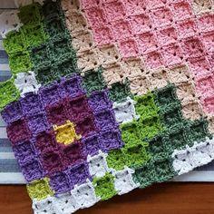Baby Knitting Patterns, Knitting Yarn, Crochet Patterns, C2c Crochet, Crochet Baby, Sewing Crafts, Cross Stitch, Quilts, Crochet Blankets