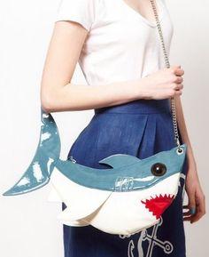 sharkbag The Rodnik Band Shark Bag Unique Purses, Unique Bags, Cute Purses, Purses And Bags, Diy Pochette, Le Grand Bleu, Novelty Bags, Animal Bag, Fish In A Bag