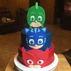 Pj Masks Birthday Cake, 5th Birthday Cake, Superhero Birthday Party, 4th Birthday Parties, Baby Birthday, Festa Pj Masks, Iced Cookies, Mask Party, Childrens Party