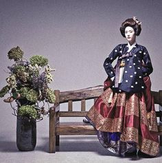 The Korean Hanbok (this one is obviously modern, but still gorgeous! Korean Traditional Dress, Traditional Dresses, Korea Fashion, Asian Fashion, Korea Dress, Asian Photography, Modern Hanbok, Vogue Korea, Asian Style