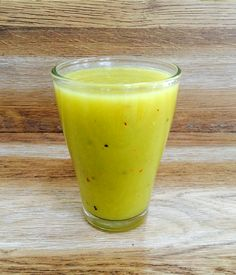 Koktajl gwiazdy: bomba witaminowa Kamili Szczawińskiej Smoothie Recipes, Smoothies, Glass Of Milk, Health And Beauty, Food And Drink, Appetizers, Healthy Eating, Health Fitness, Yummy Food