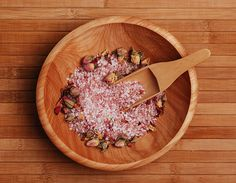Self-Love Bath Salt for the Empowered Woman We live in uncertain times. Uncertainty can invite stress we do not need in our already busy lives. Diy Herbal Cosmetics, Herbal Remedies, Natural Remedies, Bath Salts Recipe, Organic Herbs, Bath Soak, Natural Skin Care, Self Love, Make It Simple