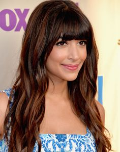 Hannah Simone Lookbook: Hannah Simone wearing Long Wavy Cut with Bangs (15 of 16). Hannah Simone looked effortlessly gorgeous with loose beachy waves.
