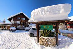 Gatterhof im Winter mit 100 - 200 cm Schnee #winterurlaub #unterkunft #kleinwalsertal #riezlern Snow, Outdoor, Winter Vacations, Places, Outdoors, Outdoor Games, Outdoor Living, Eyes