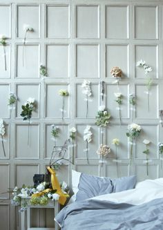 Make a dramatic wall display with washi tape and flowers | #IKEAIDEAS for spring