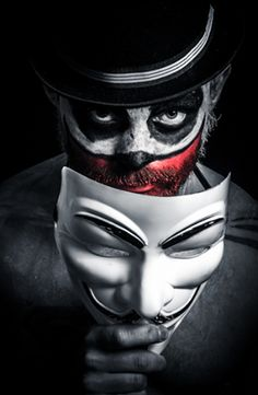 The sad clown ali Clown Faces, Creepy Clown, Anonymous Mask, Clown Tattoo, Hacker Wallpaper, Dark Circus, Arte Obscura, Joker Wallpapers, Night Circus