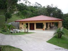 inexpensive costa rican concrete homes Tropical House Design, Tropical Houses, Small House Plans, House Floor Plans, Story House, My House, House Outside Design, Adobe House, Bungalow House Design