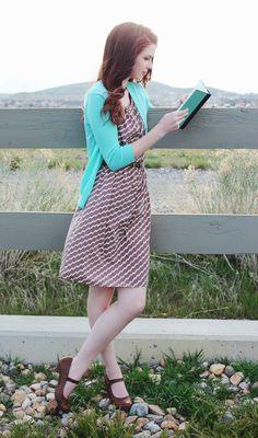 """My Thoughts On Chevron."" #blog #blogger #styleblog #clothes #fashion #style #chevron #dress #turquoise #brown #tan #white #cardigan #spring #vintage #classy #classic #auburnhair #hair #curls #redhair #chesnutbrown #hairideas #hairidea #springfashion #forever21 #photography #book #reading #nature DarlingOnADollar.com"