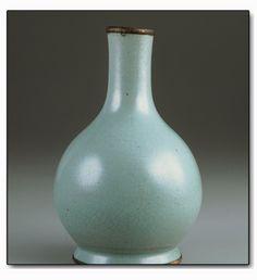 Song Dynasty Ru Ware 宋代汝窑瓷器