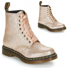 Doc Martens - What are they and how do you wear them? Dr. Martens, Dr Martens 1460, Doc Martens Style, Doc Martens Boots, Gold Boots, Wedding Boots, Glitter Shoes, Glitter Dress, Bride Shoes