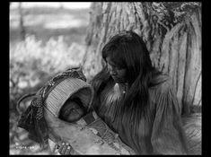 Femme et son bébé -