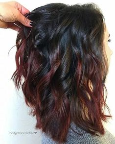 Brown hair Wine Hair Pink hair Rose gold hair Chocolate hair hair color - Hair and beauty - Subtle Hair Color, Hair Color And Cut, Hair Color Ideas For Dark Hair, Hair Color Tips, Dark Fall Hair Colors, Short Hair Colour, Hair Cut Ideas, Trendy Hair Colors, Oil Slick Hair Color