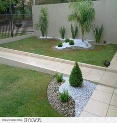 5 Fabulous Ideas For Landscaping With Rocks - Landscaping Expert Tips Landscaping With Rocks, Front Yard Landscaping, Landscaping Ideas, Pebble Landscaping, Small Gardens, Outdoor Gardens, Outdoor Plants, Outdoor Spaces, Landscape Design