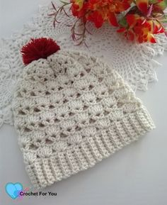 FREE - CROCHET - Shell V Shell Crochet Slouch Free Pattern ~ sized for adult but can be adjusted to any size ~ easy level Crochet Shell Stitch, Crochet Cap, Crochet Gifts, Crochet Scarves, Free Crochet, Crochet Crown, Crochet Santa, Crochet Snowman, Crochet Granny