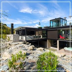 Luxury villa to rent in Queenstown, New Zealand - Villa Cascade Winter Sun Destinations, Glass Lift, Mountain Villa, Lake Wakatipu, Cascade Mountains, Rooftop Terrace, Pergola Plans, House Front, Luxury Villa