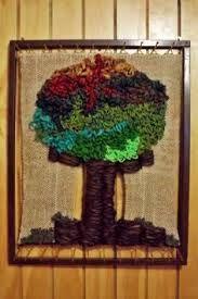 Resultado de imagen para telares decorativos de arboles Textiles, Lana, Wreaths, Halloween, Painting, Home Decor, Google, Craft, Hanging Tapestry