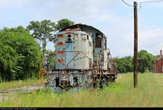 Net Photo: SRNJ 59 Southern Railroad of New Jersey Alco at Salem, New Jersey by Nathan sloski Abandoned Train, Abandoned Cars, Abandoned Places, Abandoned Vehicles, Location Map, Photo Location, Rust In Peace, Railroad History, Railroad Photography