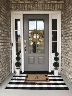 farmhouse front door entrance design ideas tips on selecting your front doors 30 Porch Doors, Front Door Entrance, House Front Door, House With Porch, House Entrance, Home Design, Design Entrée, Design Ideas, Wall Design