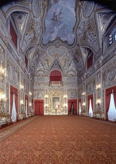 Palace of the Quirinale, Roma, Italy, this would be such a gorgeous place to get married at!