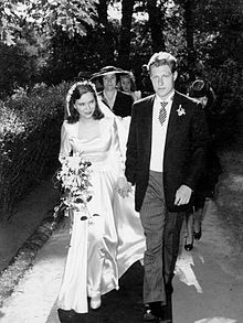19 year-old Paulina Longworth, granddaughter of President Theodore Roosevelt, with husband, 21 year-old Alexander McCormick Sturm, future co-founder of American firearms maker, Sturm, Ruger & Co., on their wedding day, August 26, 1944