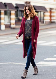 Gratis strikkeopskrifter | Strikket lang jakke