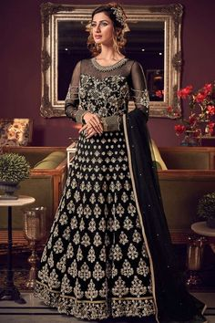 This Round neck and Full Sleeve dress embroidered with stone, sequins and dori work. Accompanied by a matching Santoon/Lycra Churidar in Black Color with Black Net Dupatta. Dupatta embroidered with Stone Work. This Anarkali Suit can be customised up to 58 Inches around the Bust. #black #party wear #Anarkalidresses #Andaazfashion #USA Robe Anarkali, Costumes Anarkali, Black Anarkali, Anarkali Suits, Indian Anarkali, Abaya Style, Diwali, Salwar Kameez, Art Marron