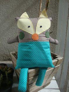 Naninha Sr Raposa tecido 100% algodão, capa removível para lavagem, travesseiro com enchimento antialérgico.