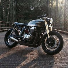 A bridge too fast? Here's a CB750 brat cafe by Eric Minsker. Cool, huh? (via CAFE RACER)