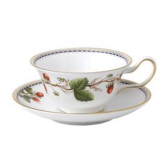 Wild Strawberry Archive Teacup and Saucer Peony | Wedgwood