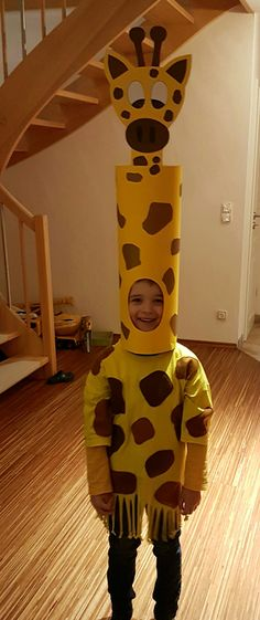 30 Easy DIY Halloween Costumes For Kids (Boys and Girls!) & Homemade Giraffe Cos& 30 Easy DIY Halloween Costumes For Kids (Boys and Girls! The post 30 Easy DIY Halloween Costumes For Kids (Boys and Girls! Kids Costumes Boys, Diy Halloween Costumes For Kids, Toddler Costumes, Family Costumes, Halloween Decorations, Halloween Party, Pirate Costumes, Halloween College, Halloween Office
