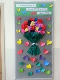 Mother's Day Bulletin Boards for Preschool - Preschool and Kindergarten Fall Arts And Crafts, Spring Crafts, Diy And Crafts, Crafts For Kids, Paper Crafts, Board Decoration, Class Decoration, School Decorations, Spring Activities
