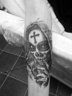 Tatouage Bras Crâne Mexicain par Eddy Tattoo