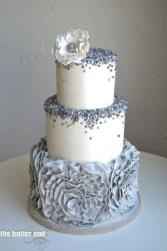 No matter what the occasion, there should always be cake. What's even more gratifying, is a cake that is just as fulfilling in looks as it is in taste. Cake designs have become more and more intric. Beautiful Wedding Cakes, Gorgeous Cakes, Pretty Cakes, Cute Cakes, Amazing Cakes, Grey Wedding Cakes, Wedding Cake Pearls, Funny Wedding Cakes, Camo Wedding