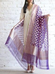Indian Wedding Outfits, Indian Outfits, Indian Attire, Indian Wear, Salwar Designs, Silk Dupatta, Modern Outfits, Indian Designer Wear, Indian Ethnic