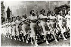 Спортивный парад на Красной площади (1932)   Flickr - Photo Sharing!