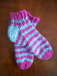 Ravelry: Easy Super Bulky Slipper Socks pattern by Alice Dillon