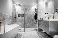 Discover recipes, home ideas, style inspiration and other ideas to try. Bathroom Goals, Laundry In Bathroom, Master Bathroom, Apartment Interior Design, Bathroom Interior Design, Bathroom Inspiration, Villa, Home Furnishings, House Design