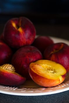 Food | Nourriture | 食べ物 | еда | Comida | Cibo | Art | Photography | Still Life | Colors | Textures | Design | Peaches