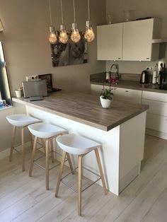 Kitchen Room Design, Studio Kitchen, Home Room Design, Home Decor Kitchen, Interior Design Kitchen, Kitchen Furniture, Home Kitchens, Small Apartment Kitchen, Cuisines Design