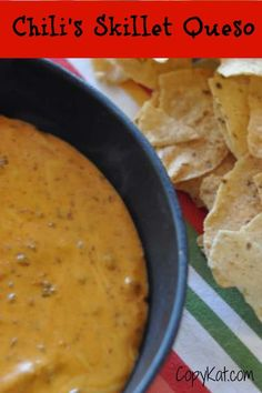copy-cat chilis skillet queso (Try changing the ratio of ingredients to 1 lb Velveeta & 2 cans chili. I think you will find this a closer match to Chili's Skillet Queso. Chili Queso Dip, Queso Cheese, Fondue Cheese, Raclette Cheese, Cheese Whiz, Copykat Recipes, Good Food, Kitchens