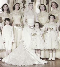 Grace Kelly with her wedding party (1956)