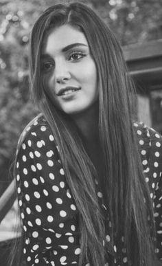 Hande erçel Hande Ercel, Turkish Beauty, Foto Instagram, Turkish Actors, Cute Faces, Celebs, Celebrities, Woman Crush, Beautiful Actresses